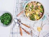 Рецепта Кремообразна паста талиатели със сьомга с рукола, спанак и сметана